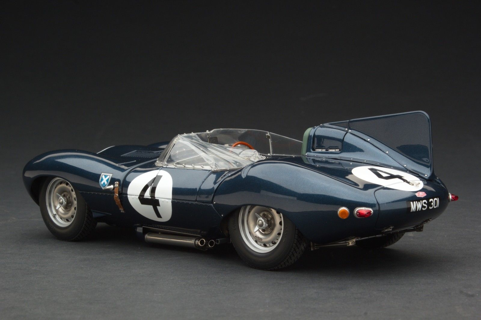Exoto 1 18 1956 Jaguar D Type Short Nose Le Mans Winner
